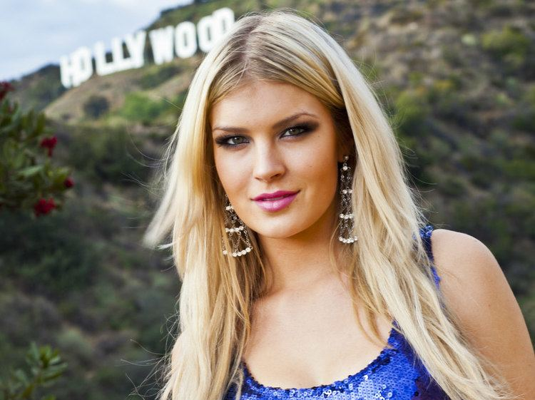 Pia Pakarinen Kaunis ja rohkea Hollywoodissa Seura
