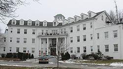 Pierce Pennant Motor Hotel httpsuploadwikimediaorgwikipediacommonsthu