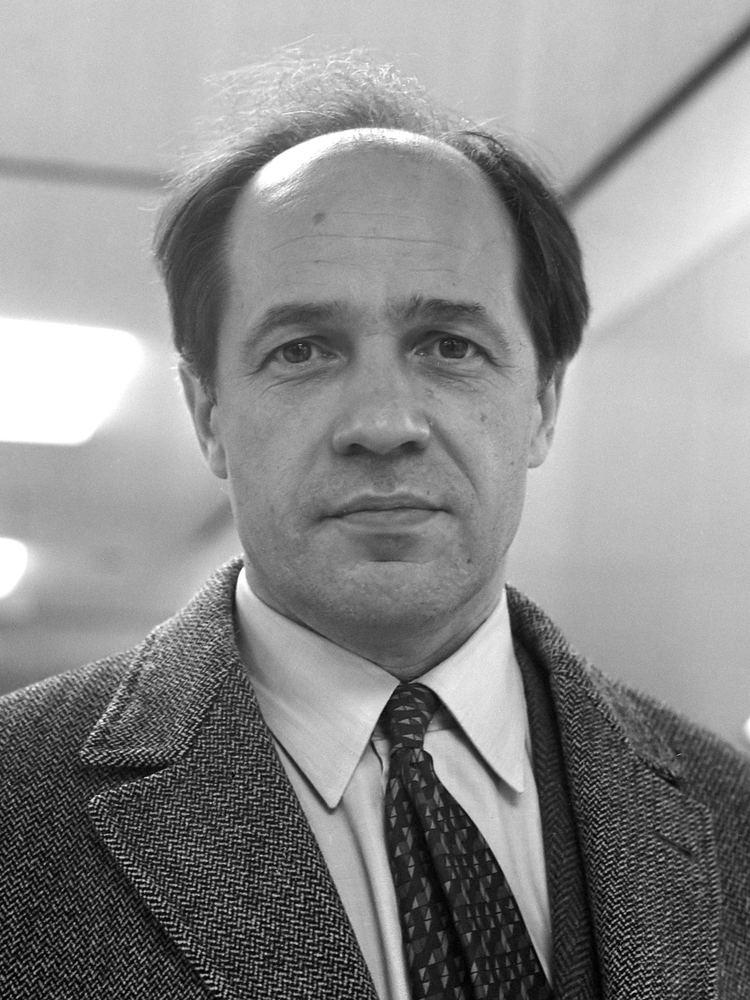 Pierre Boulez httpsuploadwikimediaorgwikipediacommonsdd