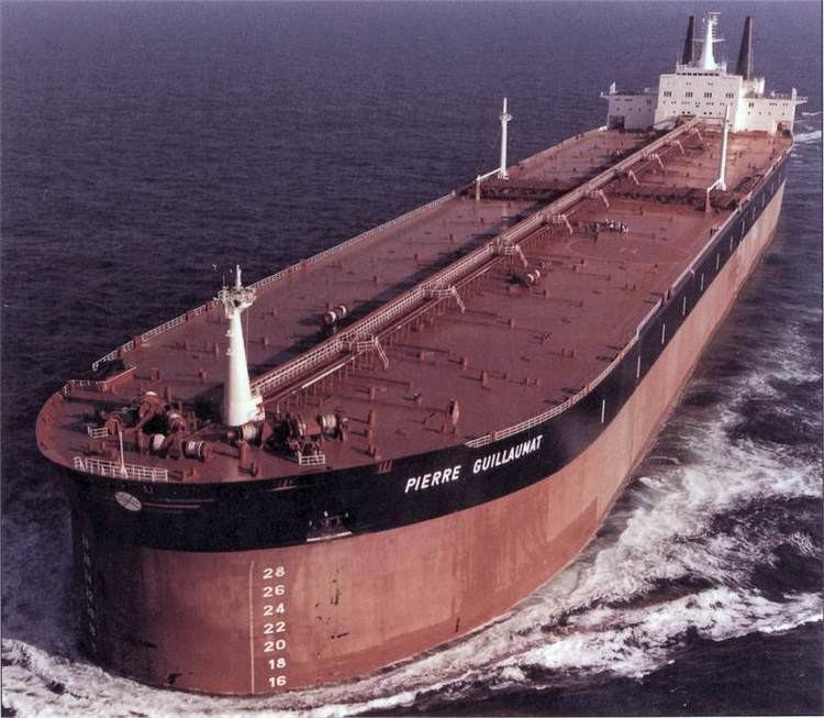 Pierre Guillaumat (supertanker) 1000 images about Ships on Pinterest Constitution Private yacht