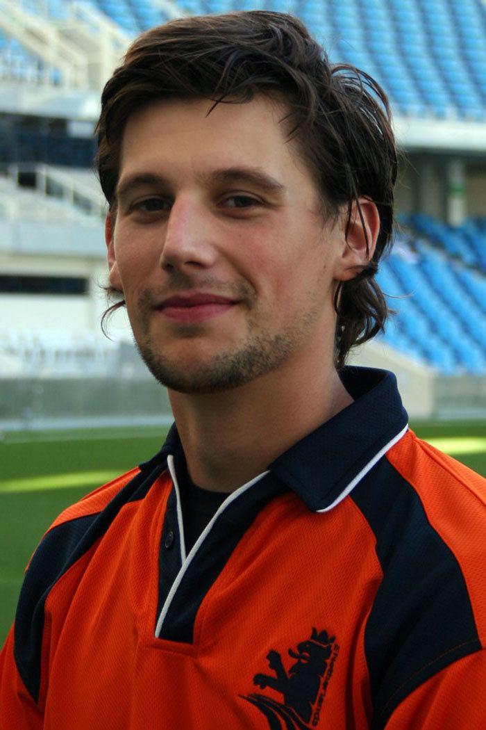 Pieter Seelaar (Cricketer) playing cricket