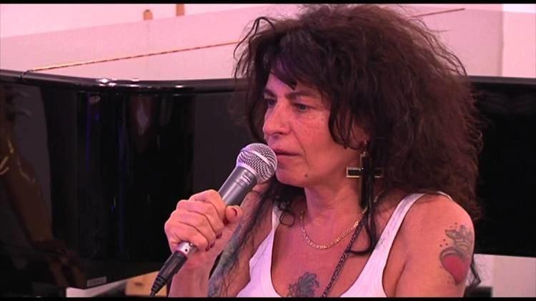 Pietra Montecorvino Napoli Pietra Montecorvino presenta lalbum Pietra a met 2305