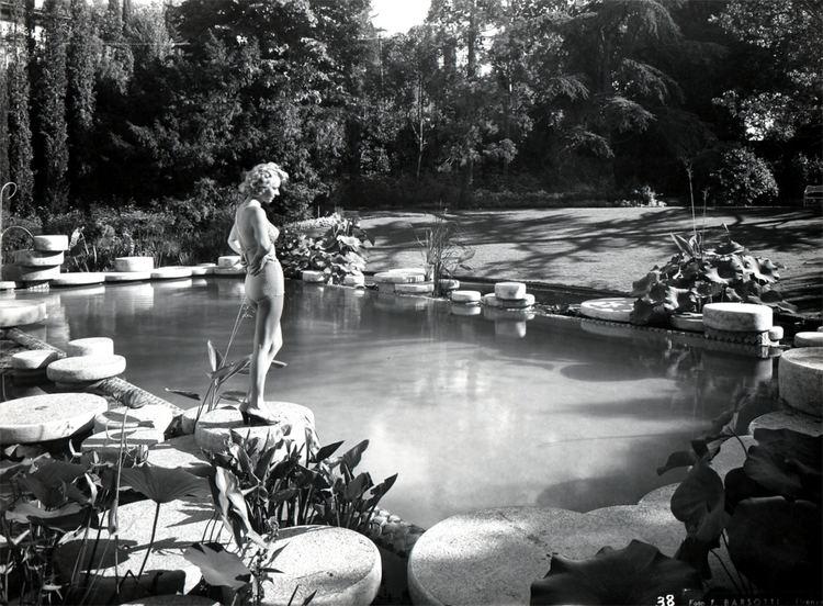 Pietro Porcinai Pietro Porcinai Works Garden with swimming pool and