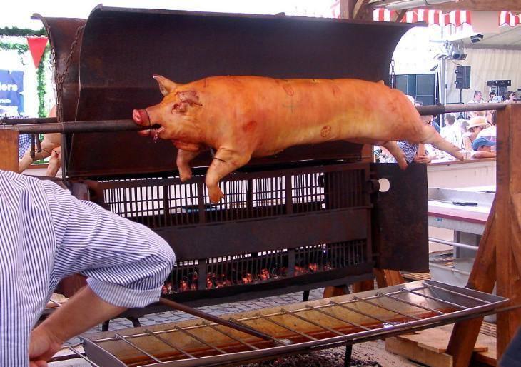 Pig roast Imperials Catering Pig Roast BBQ Menu Please give us 3 Week