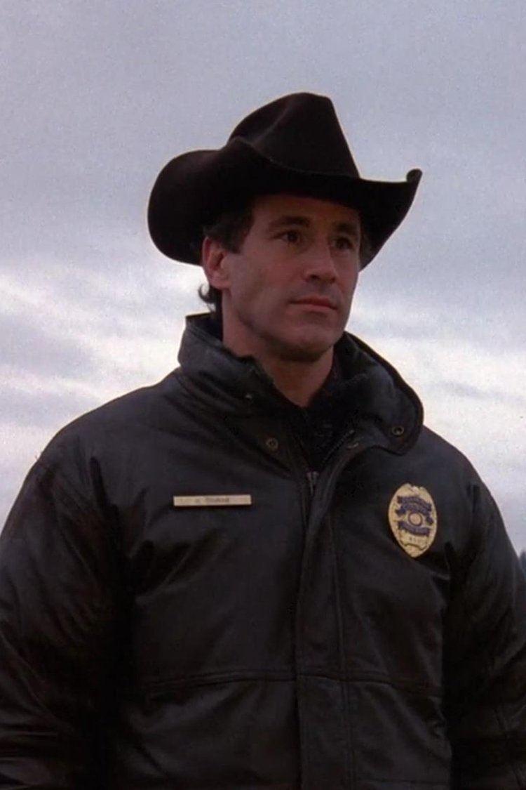 Pilot (Twin Peaks) wwwgstaticcomtvthumbv22episodes8983112p8983