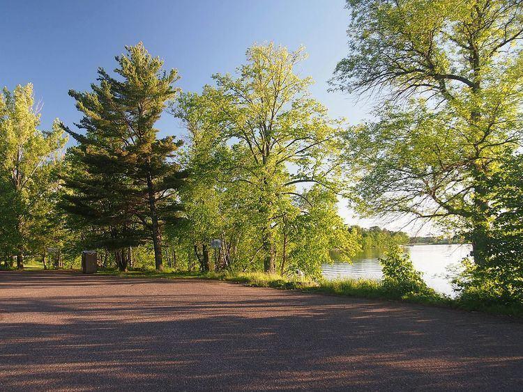 Pine-Hickory Lakes Roadside Parking Area