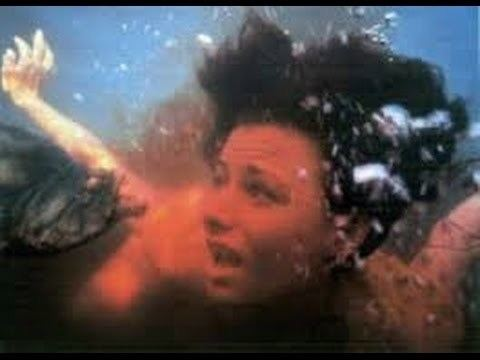 Piranha (1995 film) Piranha 1995 Trailer YouTube