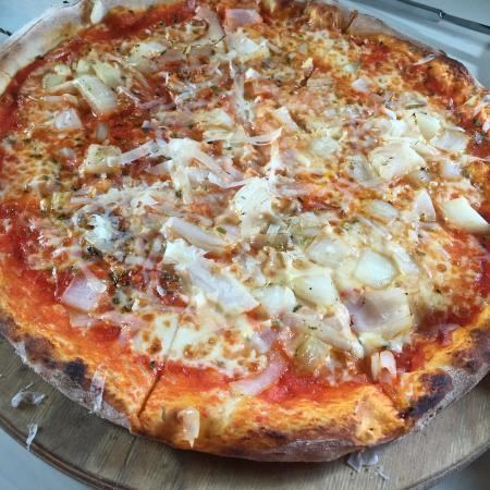 Pizza pugliese Pizza Pugliese Picture of Bistrot Gulli Aljezur TripAdvisor