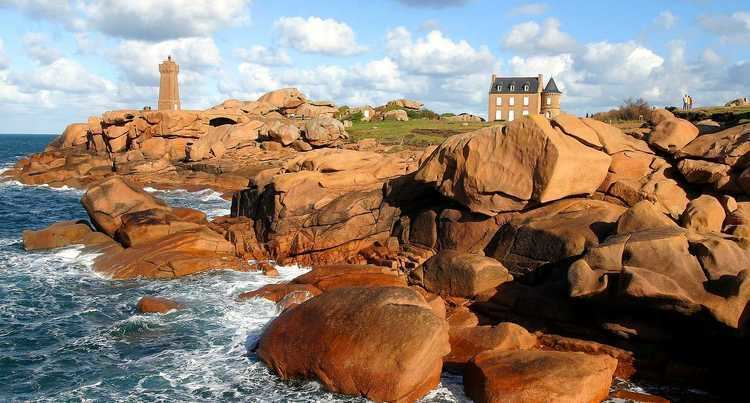 Ploumanac'h Discover la cote de granit rose in Brittany The French Traveler