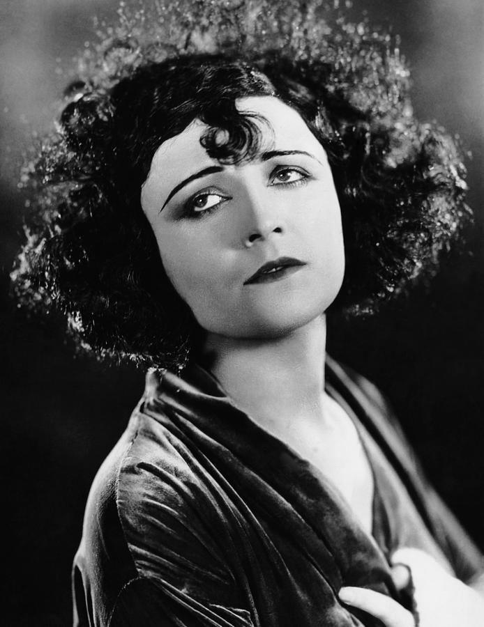 Pola Negri Meredy39s Pola Negri Trivia Mania