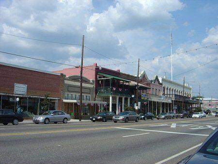 Ponchatoula, Louisiana wwwponchatoulacomassetsimagesMainStreetjpg