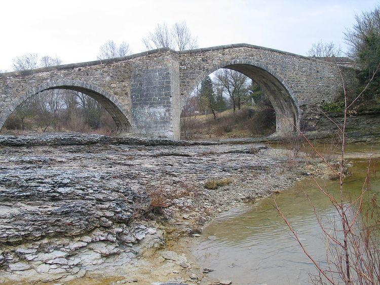 Pont sur la Laye