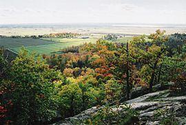 Pontiac, Quebec httpsuploadwikimediaorgwikipediacommonsthu
