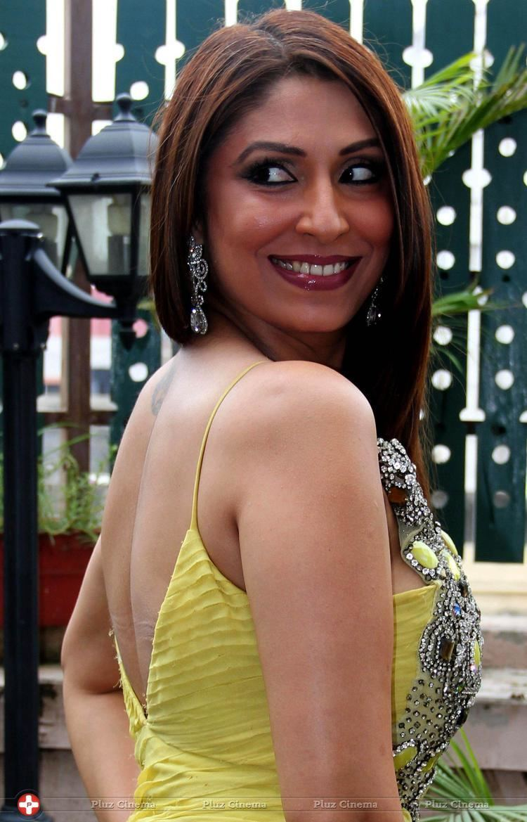 Pooja Misrra Video jockey pooja misrra visit garba photos picture 598519