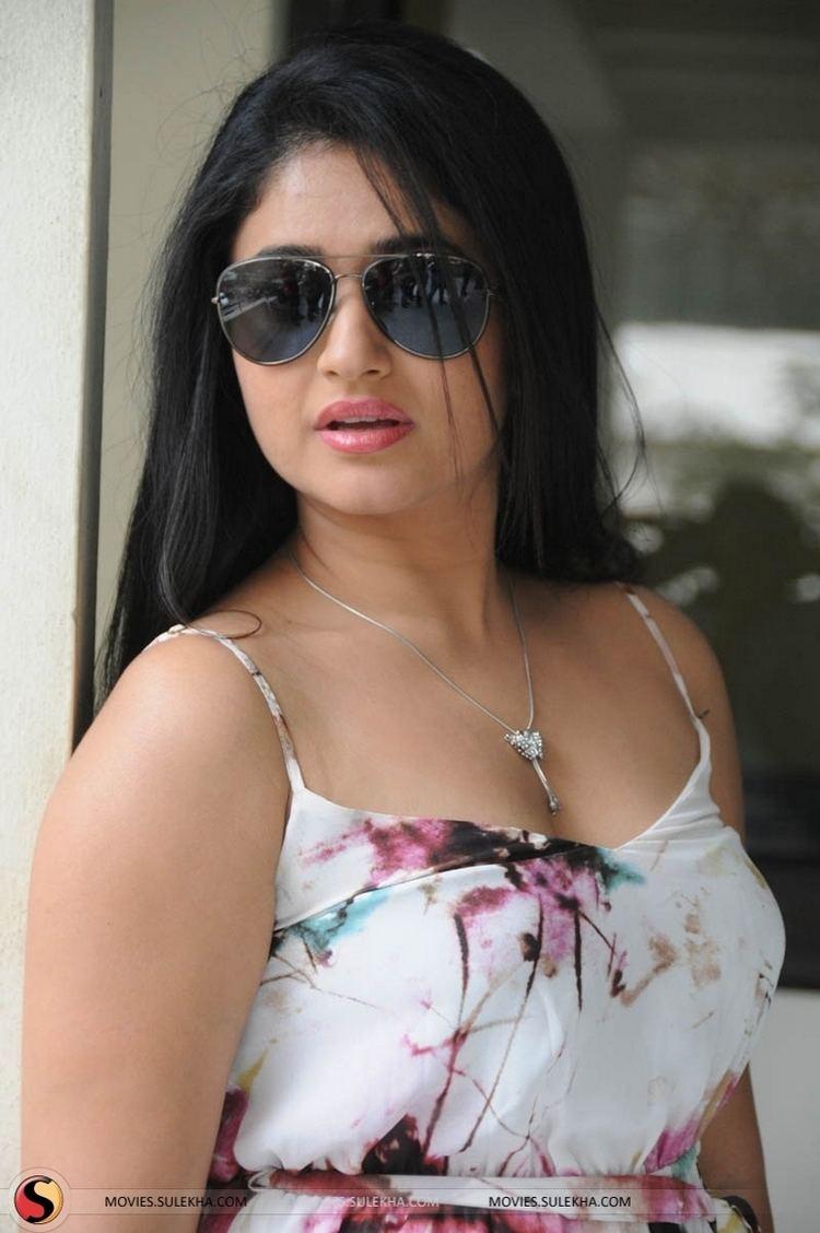 Poonam Bajwa Page 9 of Poonam Bajwa Pictures Poonam Bajwa Stills