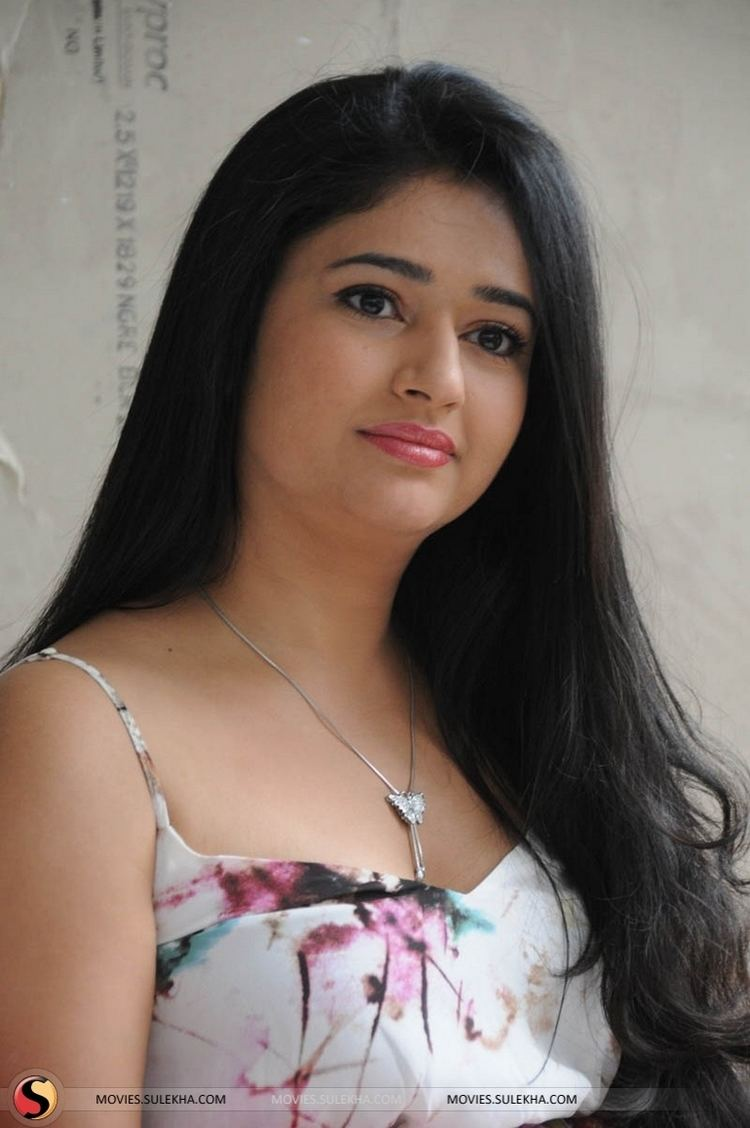 Poonam Bajwa Page 66 of Poonam Bajwa Pictures Poonam Bajwa Stills