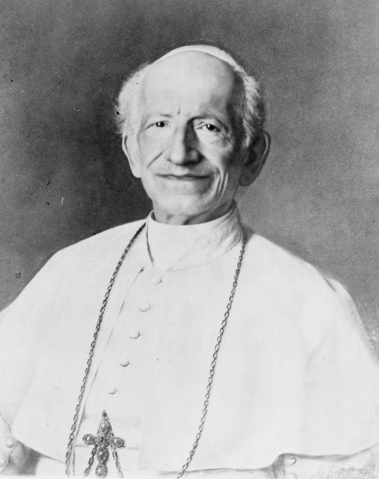 Pope Leo XIII httpsuploadwikimediaorgwikipediacommonsbb