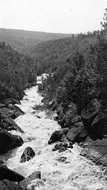Poplar River (Lake Superior) httpsuploadwikimediaorgwikipediacommonsthu