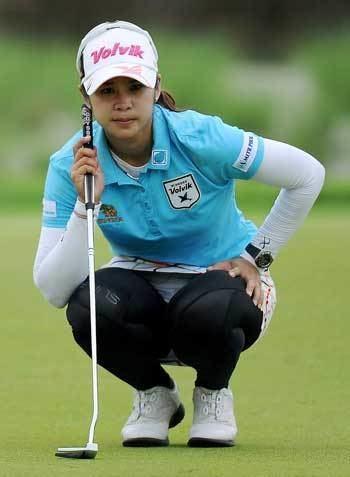 Pornanong Phatlum Hot Thai grabs threeshot lead at LPGA Malaysia