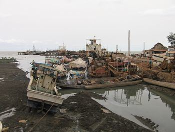 Port of Bissau httpsuploadwikimediaorgwikipediacommonsthu