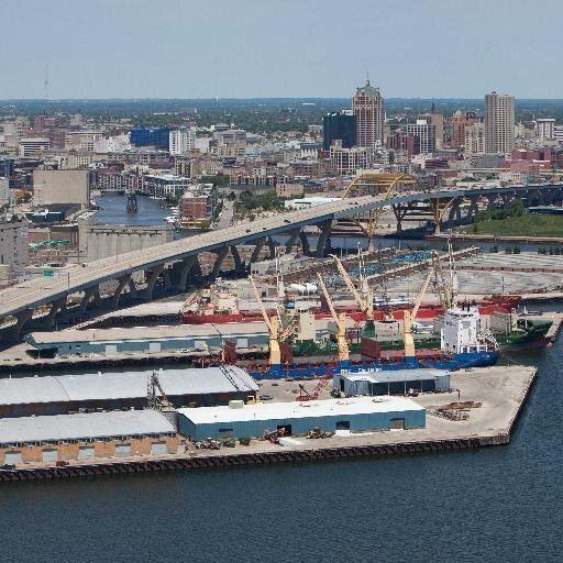 Port of Milwaukee httpspbstwimgcomprofileimages4840034616005