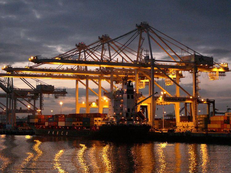 Port of Oakland Port of Oakland marine terminal night gate breakthrough hailed