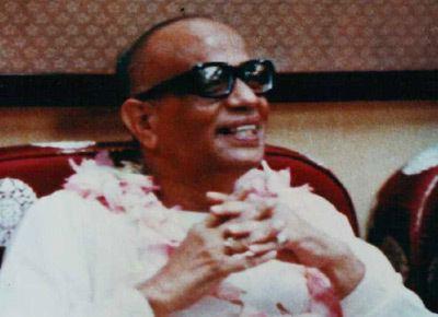 Prabhat Ranjan Sarkar Path of Bliss Yoga Meditation and Service Prabhat