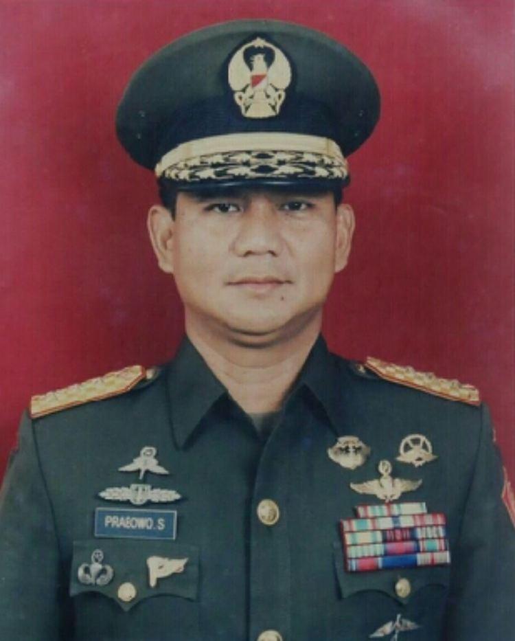 Prabowo Subianto httpsuploadwikimediaorgwikipediacommons33