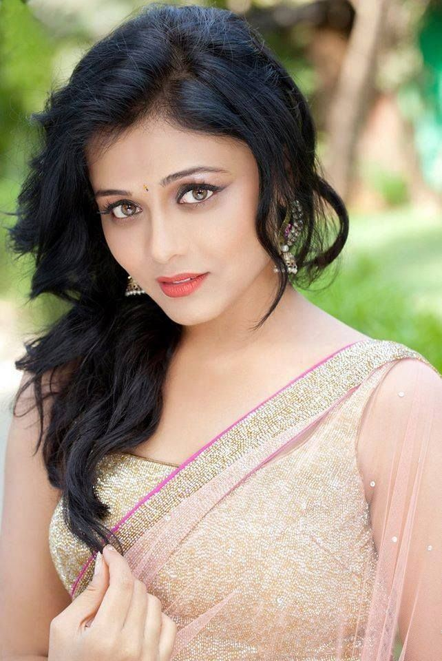 Prarthana Behere Prarthana Behere Marathi Actress Movies Biography Images