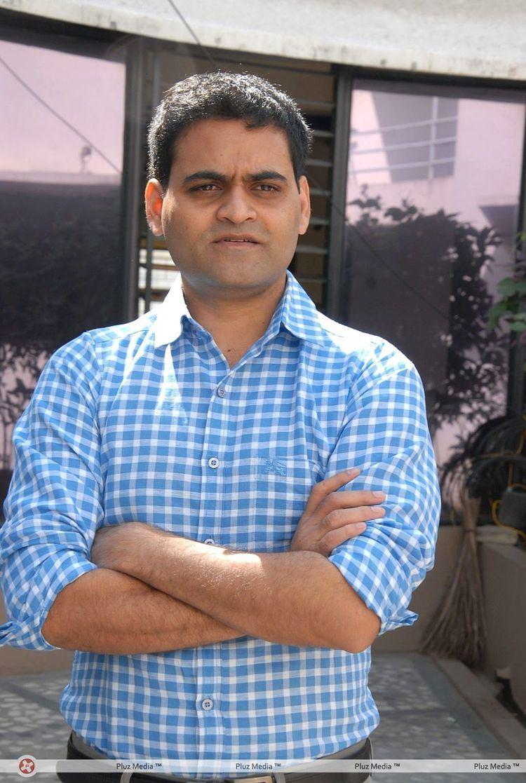 Praveen Sattaru Praveen sattaru routine love story team interview stills