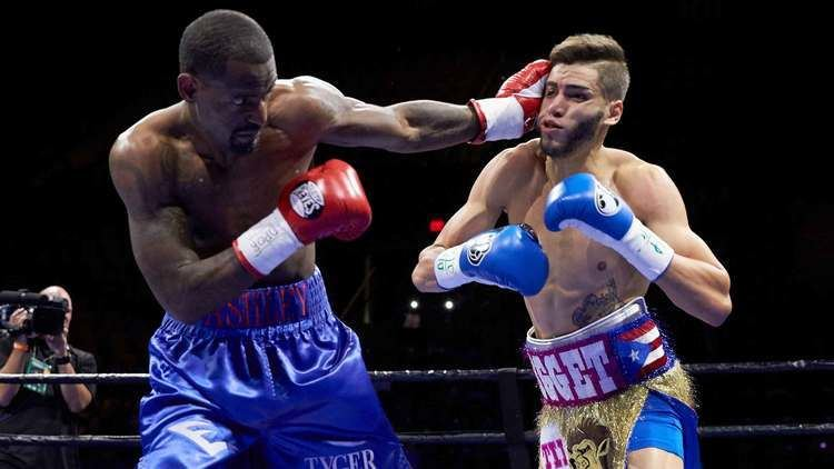Prichard Colón Terrel Williams upends Prichard Colon in odd disqualification
