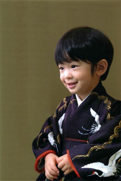 Prince Hisahito of Akishino 2bpblogspotcomdZ9MY4ia7HcTO4cREB4zDIAAAAAAA