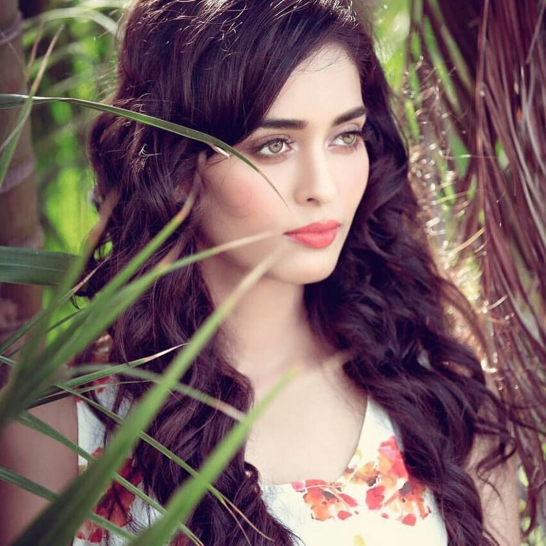 Neha Saxena Television Actress