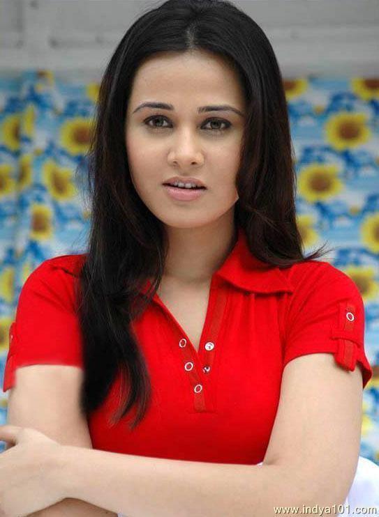 Priyanka Kothari Priyanka Kothari Nisha Kothari Photo 543x742