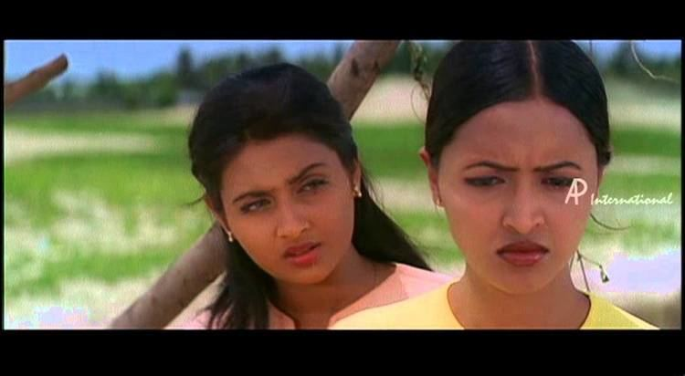 Punnagai Poove Punnagai Poove Kaveri tries to convince Rekha YouTube