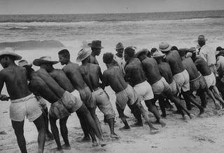 Puxada de Rede Puxada de Rede Ncleo de Pesquisa em Capoeira Angola Ara Aiye