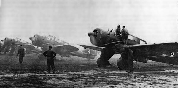 PZL.23 Karaś PZL23 Kara and PZL43 Czaika Light Bombers Further Discussion