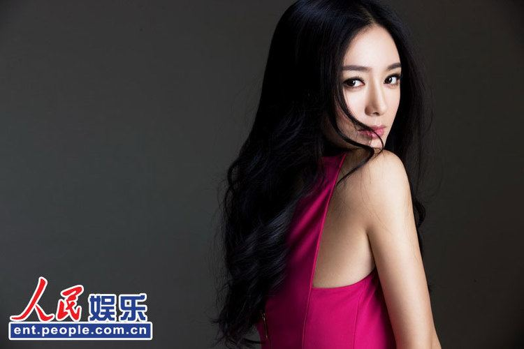 Qin Lan Glamor Qin Lan shoots photos for EP People39s Daily Online