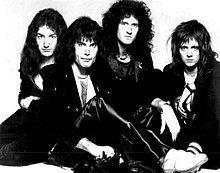 Queen (band) httpsuploadwikimediaorgwikipediacommonsthu
