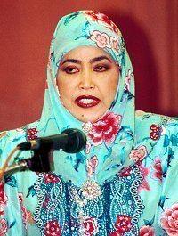 Queen Saleha of Brunei wwwbruneiresourcescomrajaisterijpg