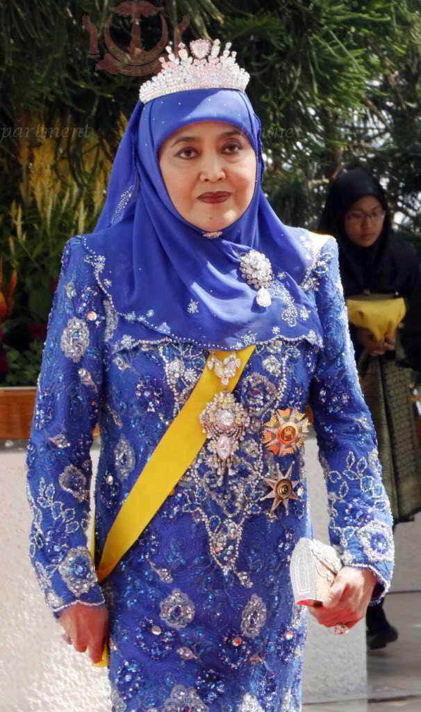 Queen Saleha of Brunei The Royal Calendar October 7 2014 Part I