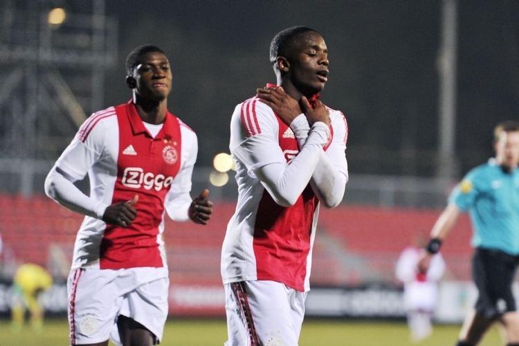 Queensy Menig PEC Zwolle huurt aanvaller van Ajax 39Goed voor mijn