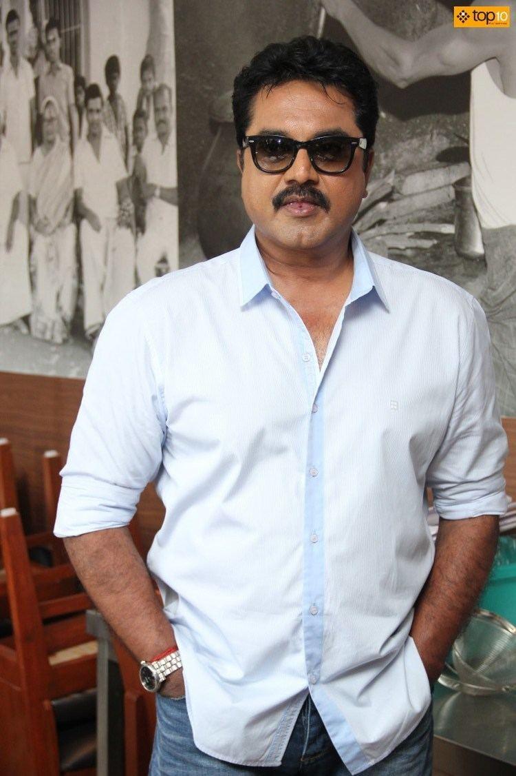 R. Sarathkumar Sarathkumar at Thalapakatti Restaurant Top10 Cinema