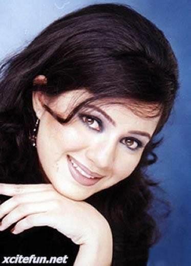 Rabi Peerzada Rabi Pirzada biography And picture Pakistani Pop Singer