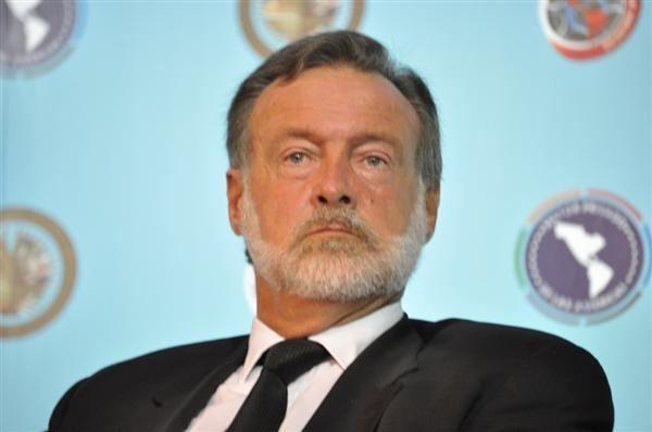 Rafael Bielsa Confederacin Farmacutica Argentina Rafael Bielsa renunci a la