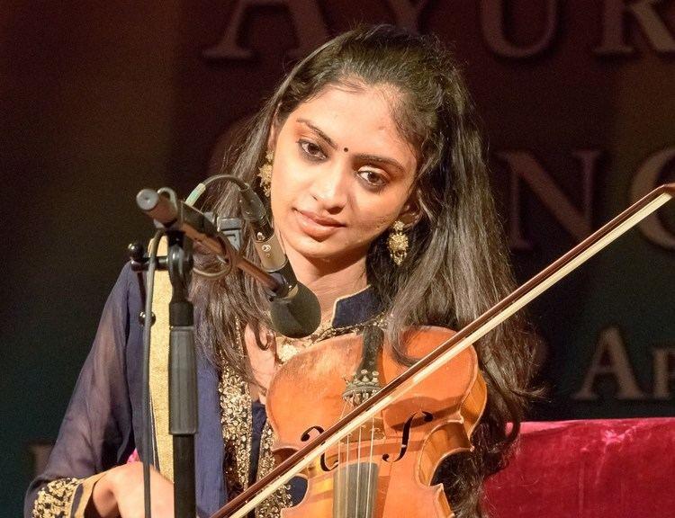 Ragini Shankar MERU Concert Ragini Shankar on violin Raga Bihag YouTube