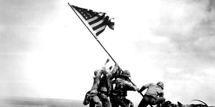 Raising the Flag on Iwo Jima Who Raised the Flag at Iwo Jima A 70YearOld Controversy Reignited