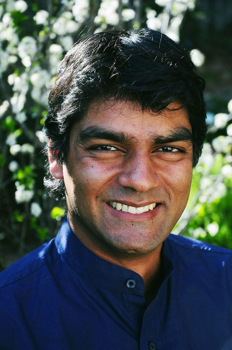 Raj Patel httpsuploadwikimediaorgwikipediacommonsthu