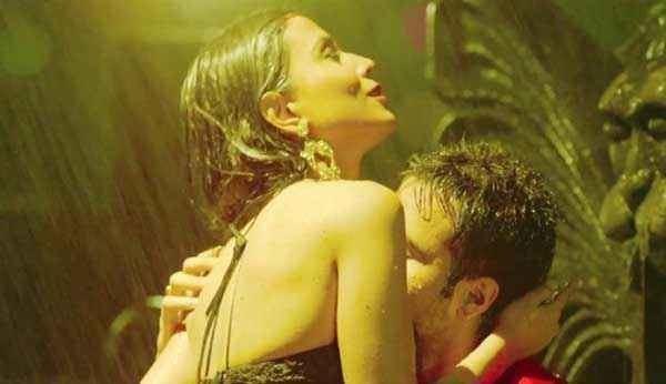 Raja (2002 film) movie scenes Raja Natwarlal Humaima Malick Emraan Hashmi Hot Scene Stills