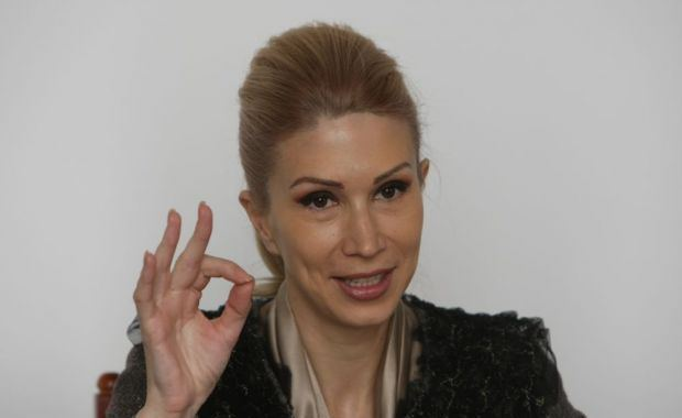 Raluca Turcan Raluca Turcan contracandidata la Parlament de un lipitor